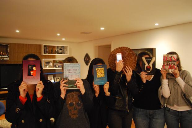 Meninas e livros