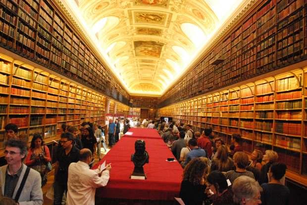 biblioteca senat paris